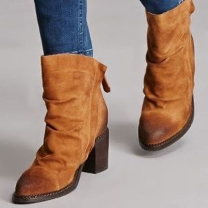 Sbicca Vintage Collection Tan Millie Suede Boots